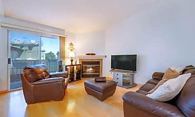 Living Room, 2596 Avenida Del Vista, 1