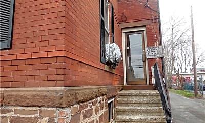 Building, 46 Washington St, 2