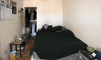 Bedroom, 3238 N Sheffield Ave, 2