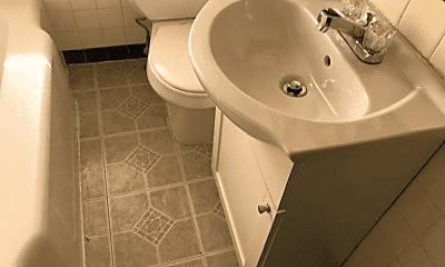 Bathroom, 1901 Bellevue Rd, 2