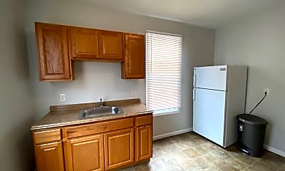 Kitchen, 74 Mechanic St, 2