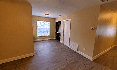 Living Room, 245 Buttonwood Ave, 2