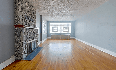 Living Room, 2727 Broadway Ave, 1