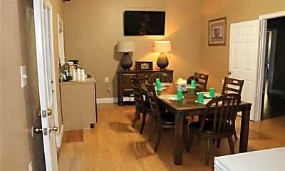 Dining Room, 612 S Delaware St, 1