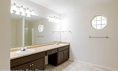 Bathroom, 4012 Shorewood Dr, 2