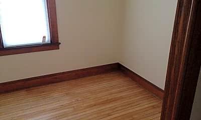 Bedroom, 2404 N Dousman St, 2