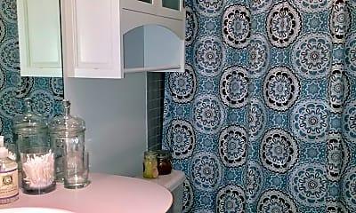 Bathroom, 1312 R St NW, 2