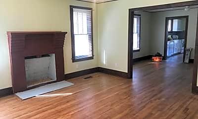 Living Room, 433 Morton Rd, 1