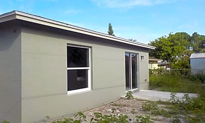 Building, 994 SW Del Rio Blvd, 1