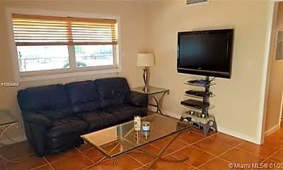 Living Room, 818 Meridian Ave, 2