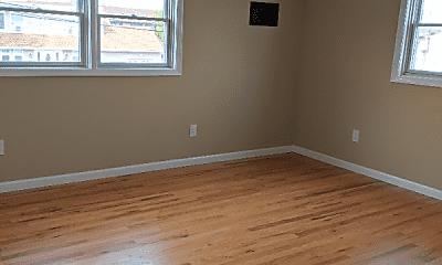 Living Room, 343 West Dr, 1