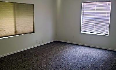Living Room, 13392 N Frontage Rd, 1