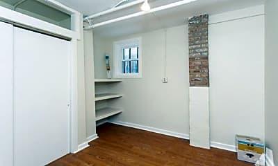 Bedroom, 4912 N Troy St, 2