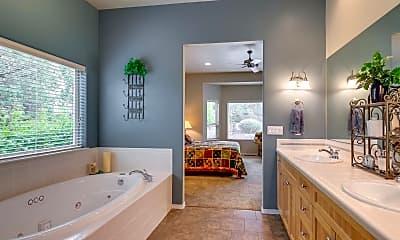Bathroom, 880 Willet Ln, 2