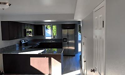 Kitchen, 319 Thoma St, 1