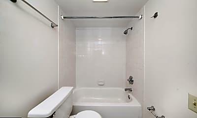 Bathroom, 31 Letitia St 409, 2