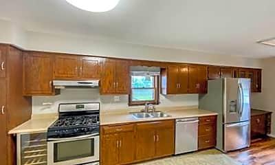 Kitchen, 820 N Loomis St, 1
