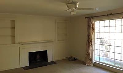 Living Room, 713 Lakeland Ave, 1