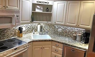 Kitchen, 15580 Birwood Ave, 1