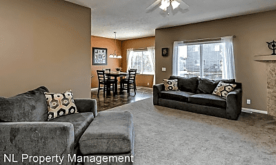 Living Room, 4507 Clearwater Dr, 1