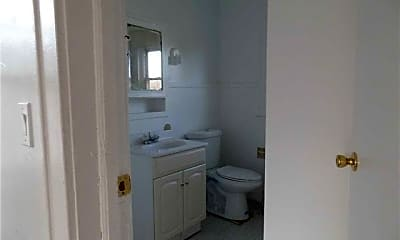 Bathroom, 181 Forrest Ave, 2