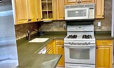 Kitchen, 18 Graywood Rd B, 0