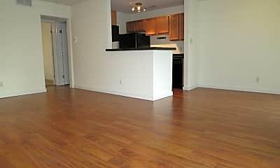 Living Room, 4109 Avondale Ave, 0