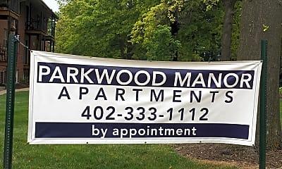 Parkwood Manor, 1