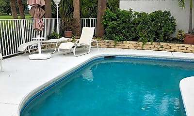 Pool, 28 Windsor Ln, 2