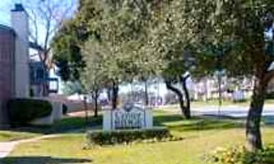 Center Ridge Apartments, 1