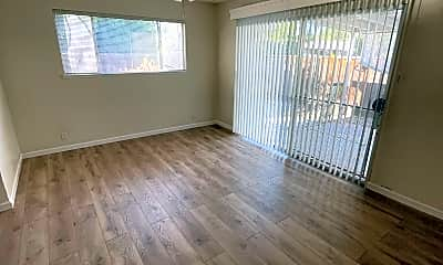 Living Room, 4999 Castlewood Ct, 2