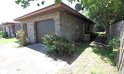Building, 419 Daniel Dr, 1