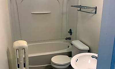 Bathroom, 1969 Poplar Ave, 2