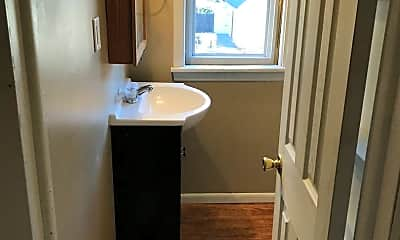 Bathroom, 201 Walnut St, 1