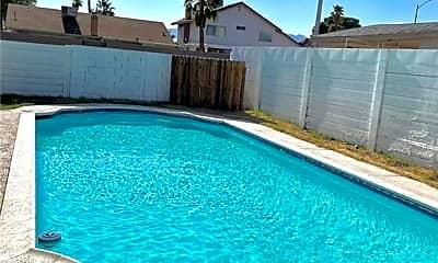 Pool, 6488 Creston Ave, 2