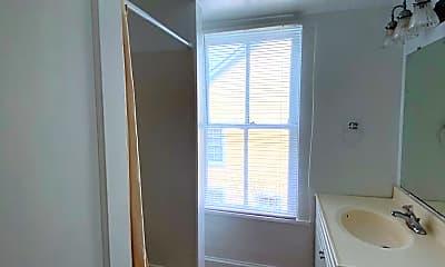 Bathroom, 111 E Lee St, 2