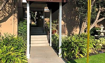 Prairie Gardens Apartments, 1