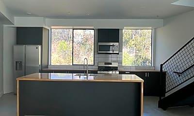 Living Room, 2603 Dove St, 1