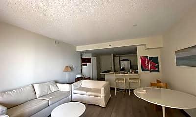 Living Room, 3101 Boardwalk, 1