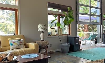 Living Room, 2113 E Lake Sammamish Parkway SE, 2