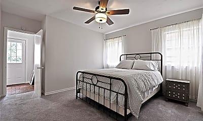 Bedroom, 1107 Woodlawn Pl, 2