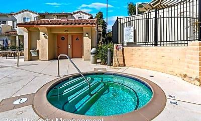 Pool, 6116 Paseo Valla, 2
