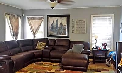 Living Room, 2001 San Antonio St, 1