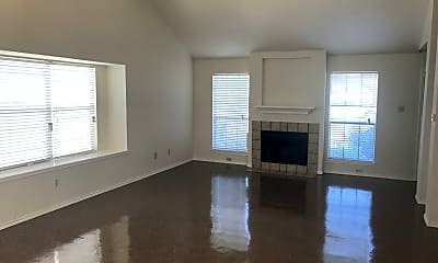 Living Room, 6418 Indian Run, 1