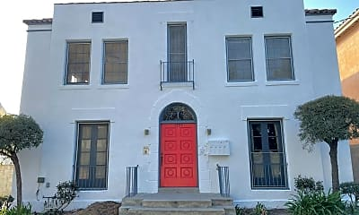 Building, 1555 N Kenmore Ave, 0