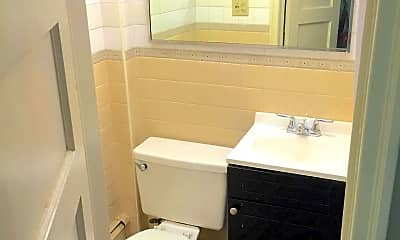 Bathroom, 799 Cherry St, 1