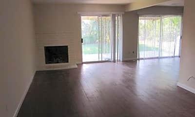 Living Room, 5985 Dovetail Dr, 2