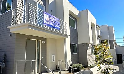 Building, 1272 East Santa Clara St, 1
