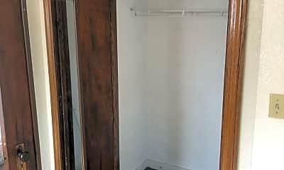 Bathroom, 257 W 8th St, 2
