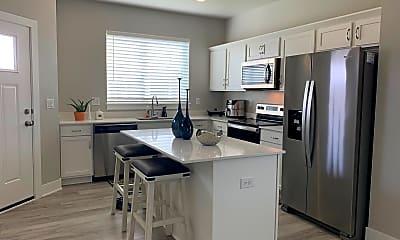 Kitchen, 422 NE Whitetail Dr, 2